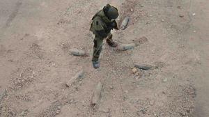 'En tierra hostil' sigue a un equipo militar especializado en desactivar explosivos.