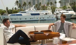 Ben Affleck y Justin Timberlake en un momento de 'Runner Runner', de Brad Furman.