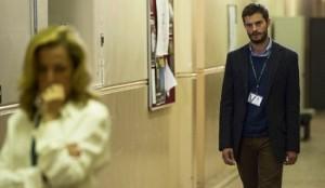 Gillian Anderson es la encargada de capturar a Jamie Dornan en 'La caza'.