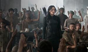 """Jennifer Lawrence encabeza la revolución en 'Los Juegos del Hambre: Sinsajo. Parte 1""""."""