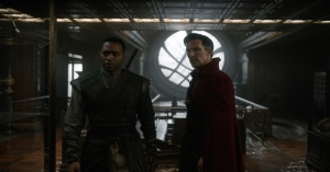 Benedict Cumberbatch da vida al 'Doctor Strange' de Marvel.